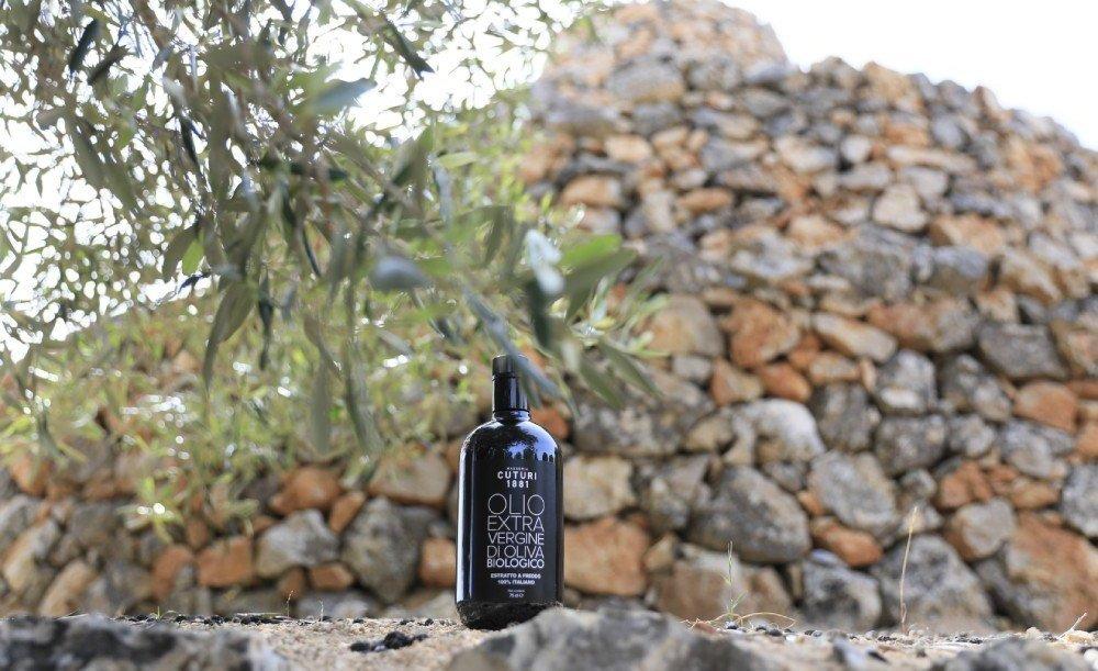 olio extravergine di oliva Masseria Cuturi primo piano